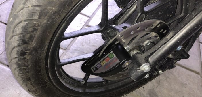 Motorrad Bremsscheibenschloss mit Alarm Test